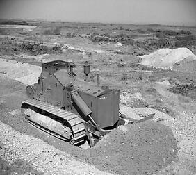 Caterpillar D7 Armoured Bulldozer - Nevington War Museum